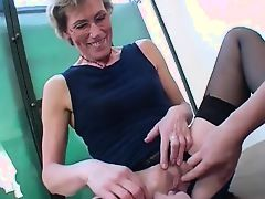 Saggy mature with glasses enjoys younger cocks