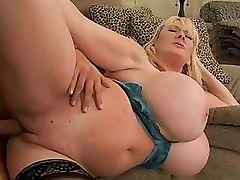 Big ass housewife sucking