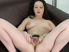 Hairy Beauty -Honey - BVR