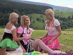 Dutch teen les threesome