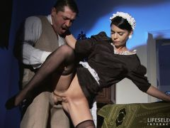 1930s detective story with a sexy twist!